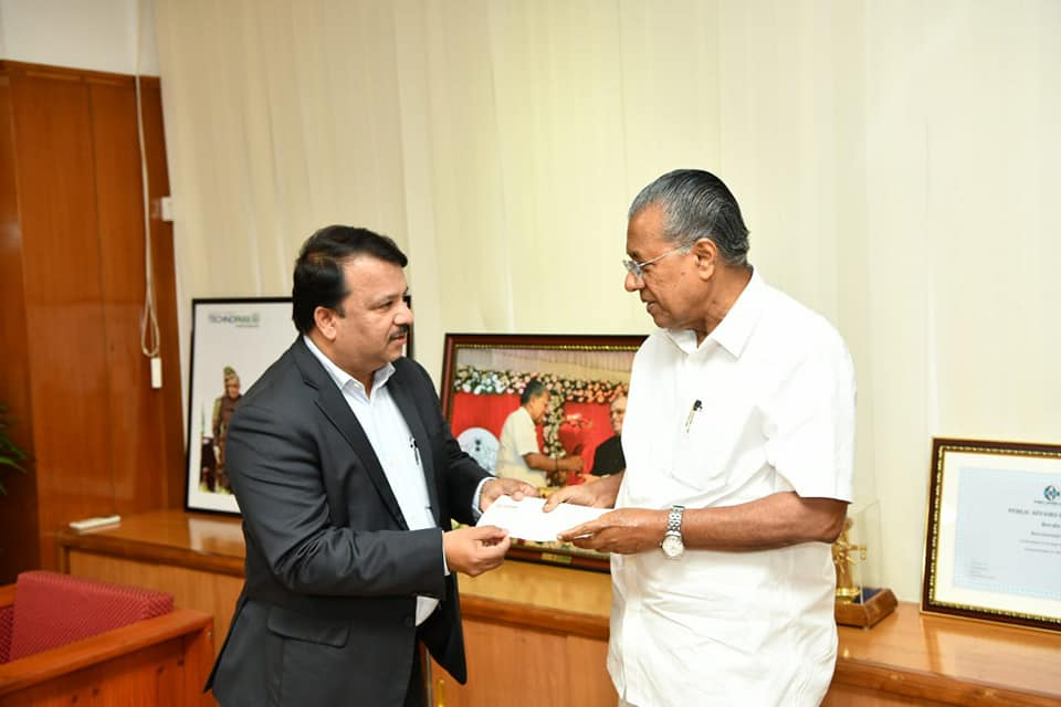 Dr. Hussain handed over Cheque to Chief Minister of Kerala, Shri Pinaray Vijayan as part of his commitment of INR 5 crores towards  Kerala flood Relief Fund at the Chief Ministers chamber at Thiruvananthapuram